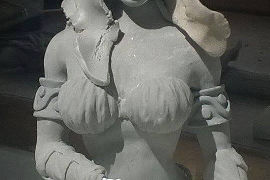 Création du buste d'Ariane par Johann Galliano